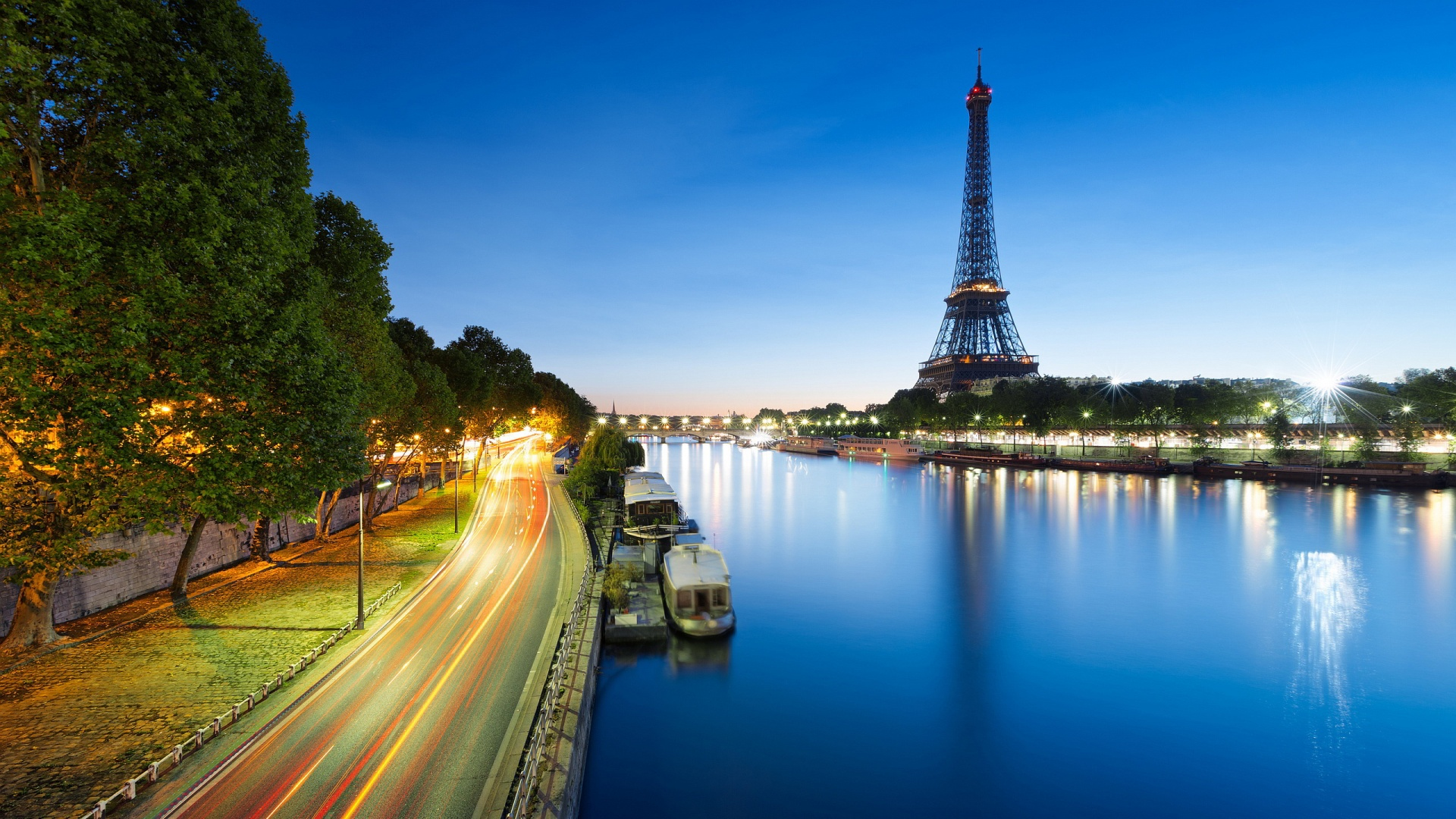 Free Amazing Eiffel Tower Paris Photos For Tablet