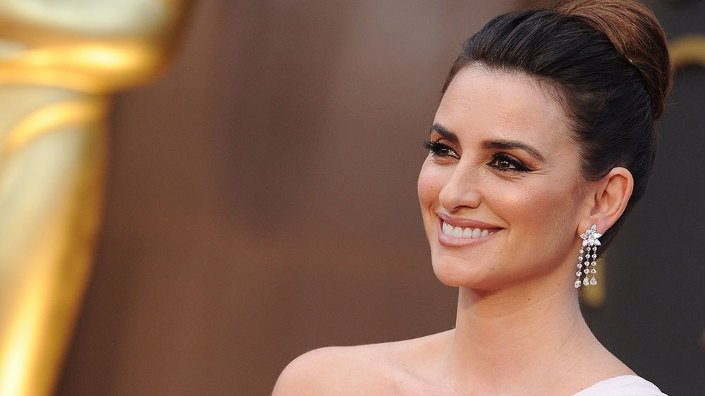 Hollywood Actress Penelope Cruz Hd Wallpaper