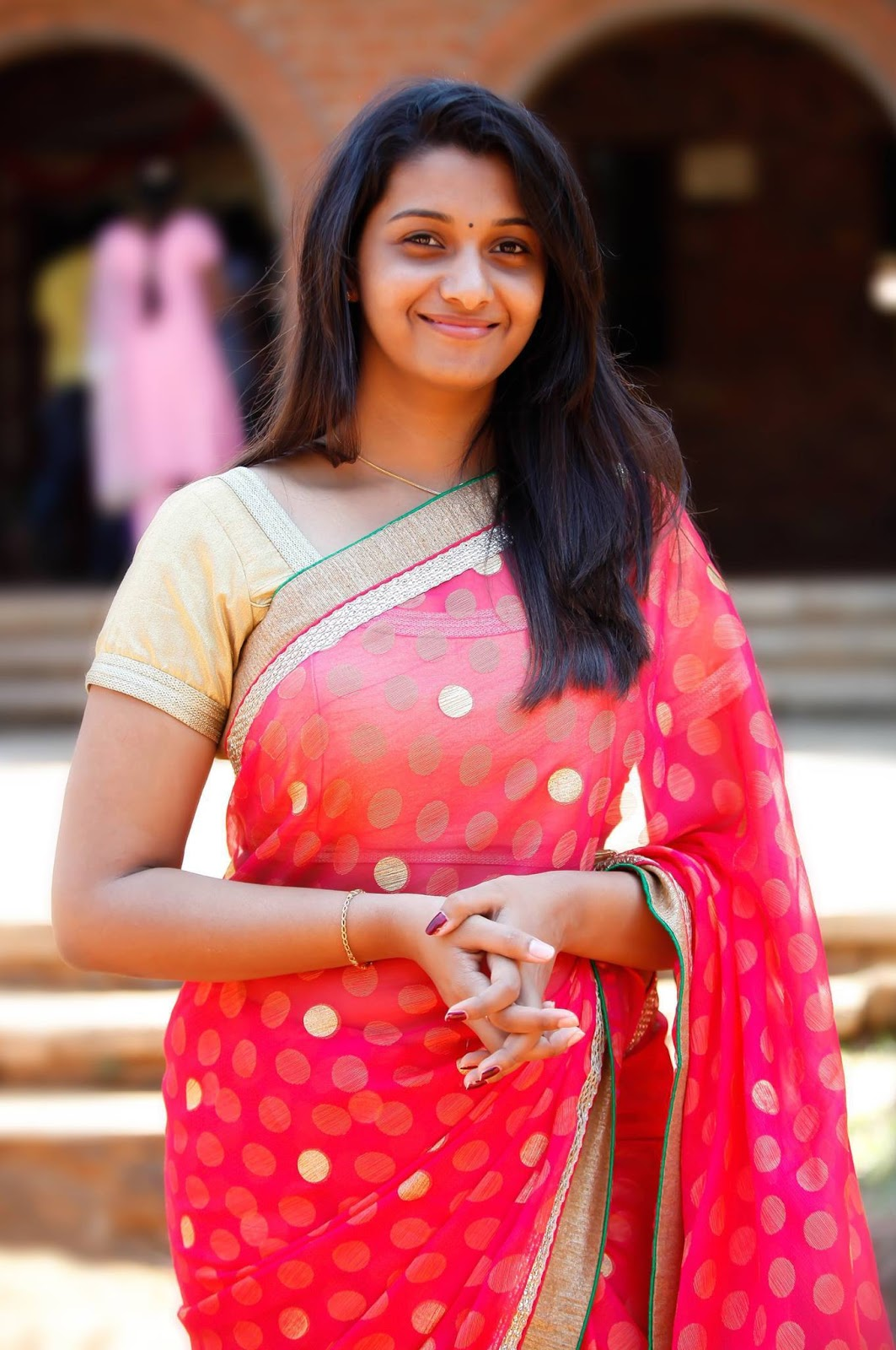download pretty hd priya bhavani shankars pics