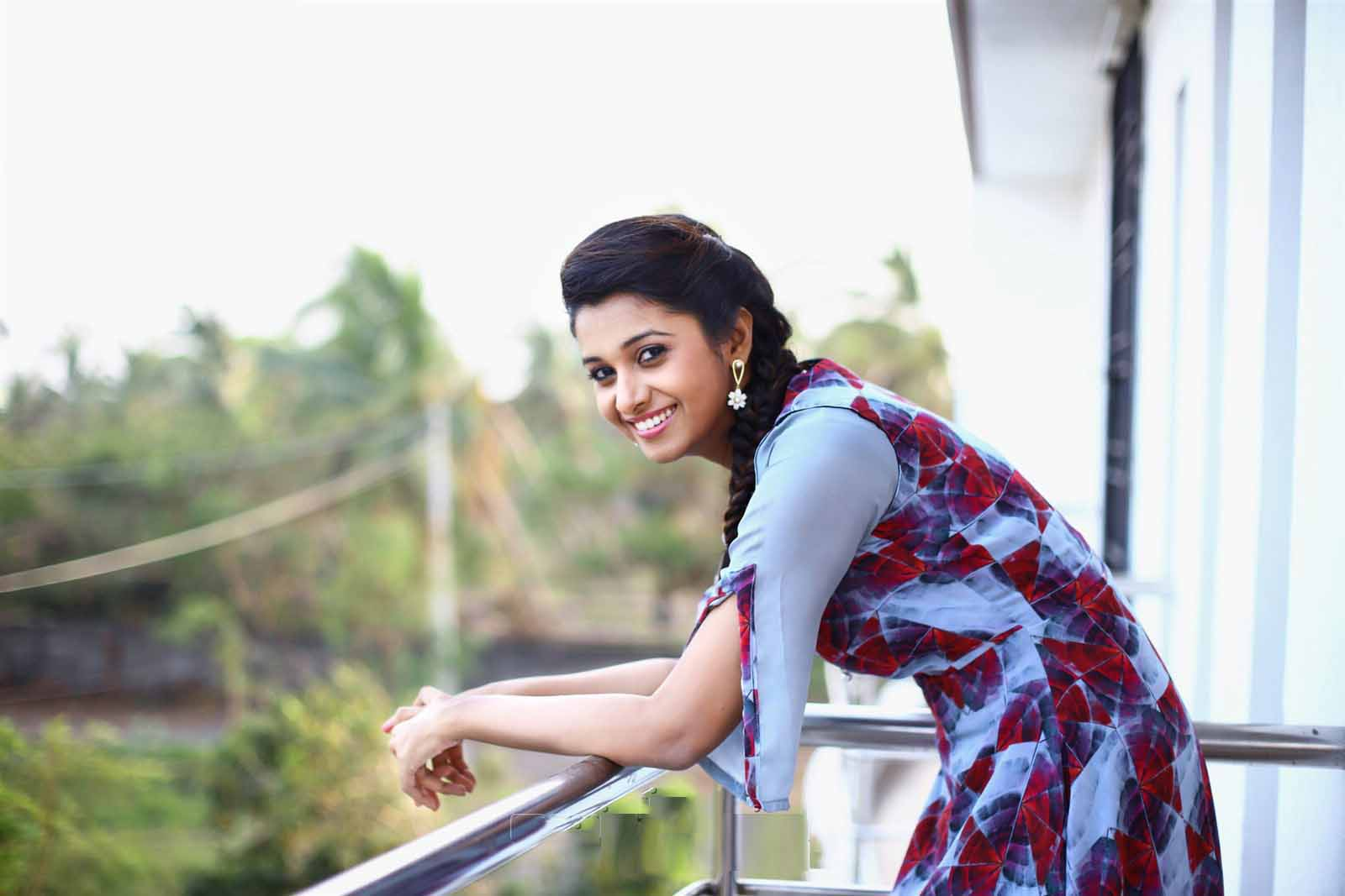 free download hd gorgeous priya bhavani shankar pictures