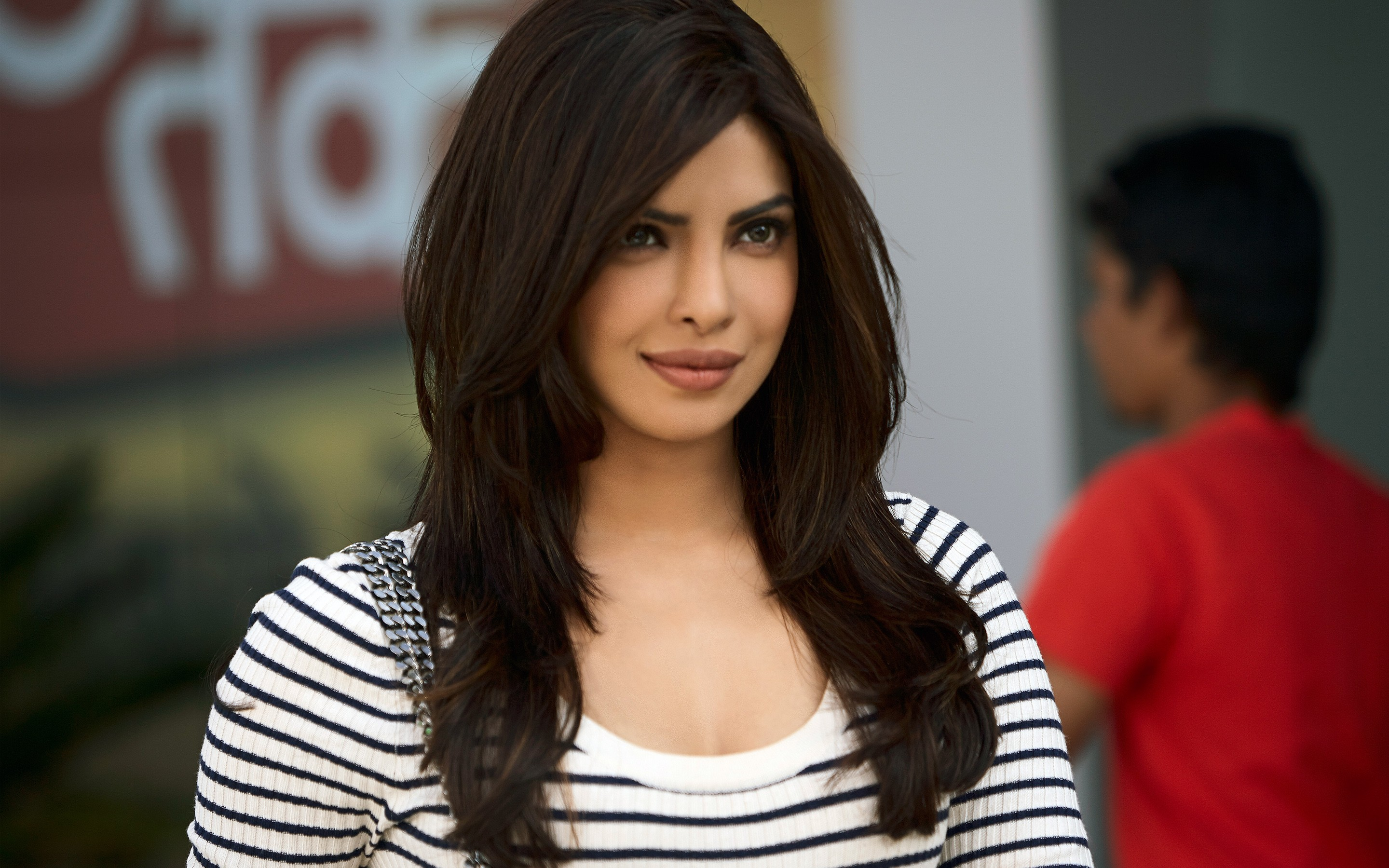 Desktop Priyanka Chopra Beautiful Still Hd Mobile Free Background Wallpapper