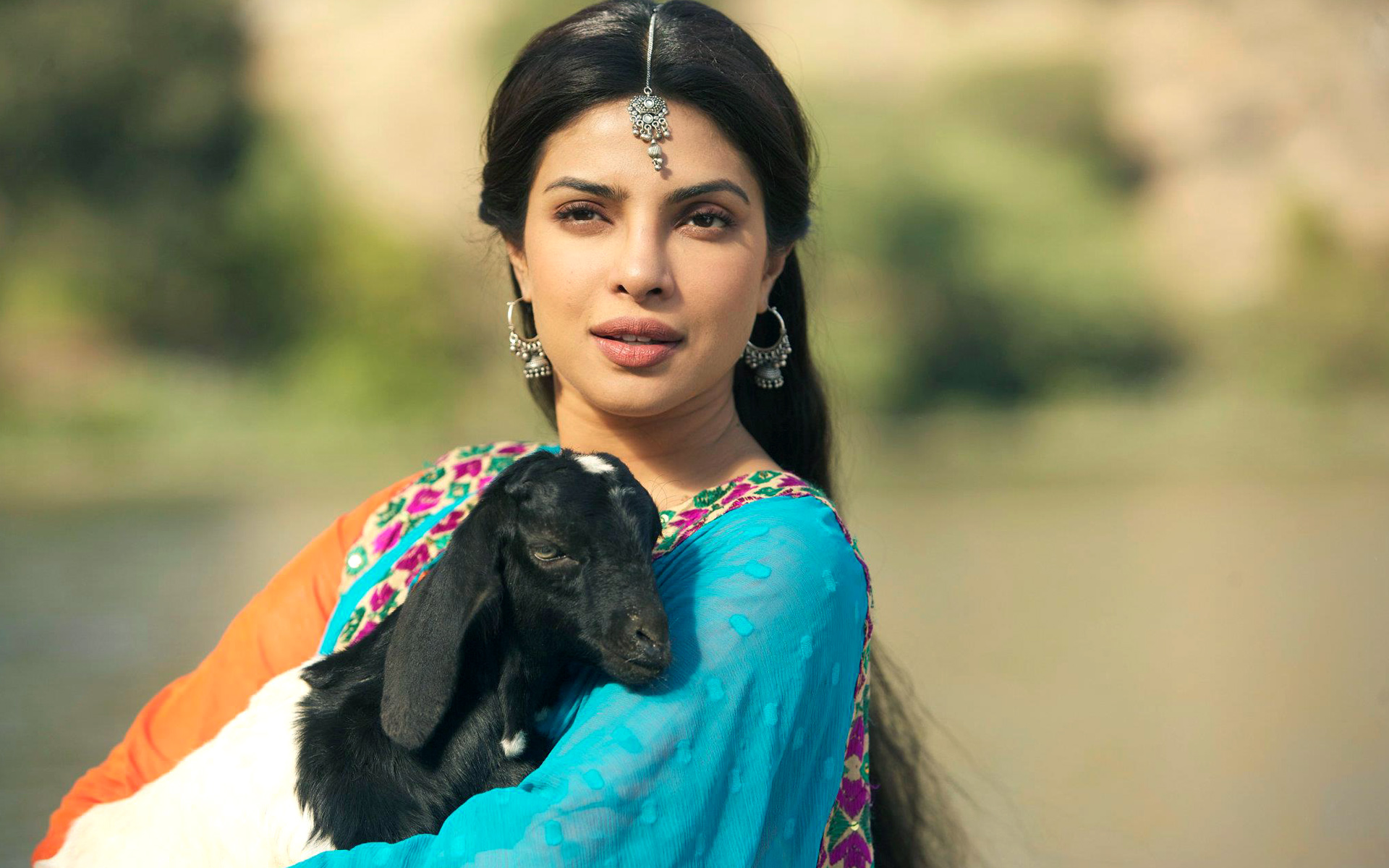 Fantastic Priyanka Chopra With Goat Look Hd Mobile Background Desktop Images Free