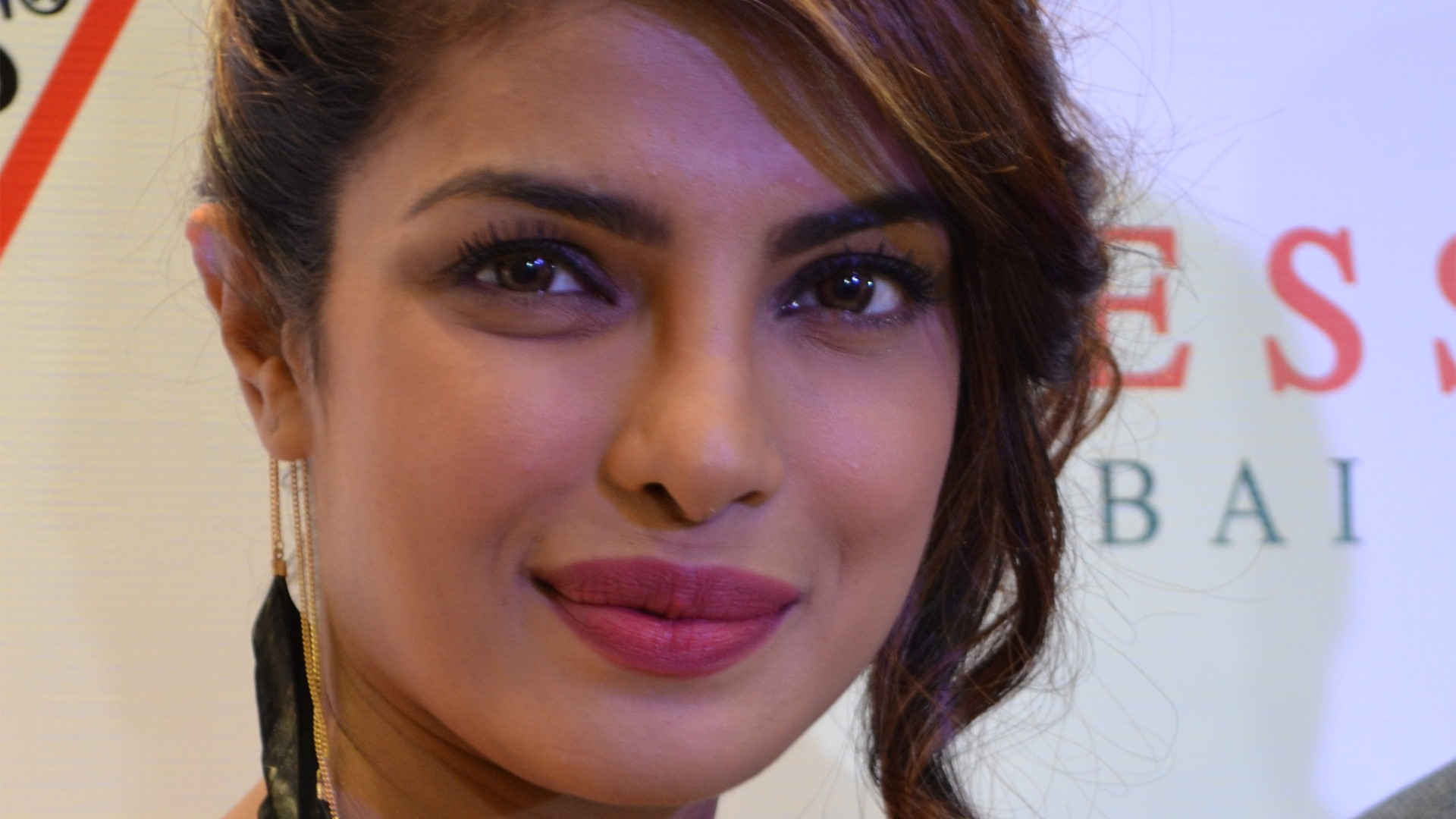 free priyanka chopra nice eye look mobile background desktop photos hd