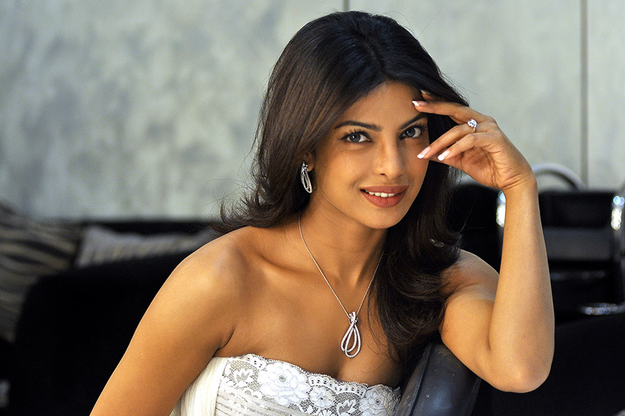 hd awesome priyanka chopra pictures