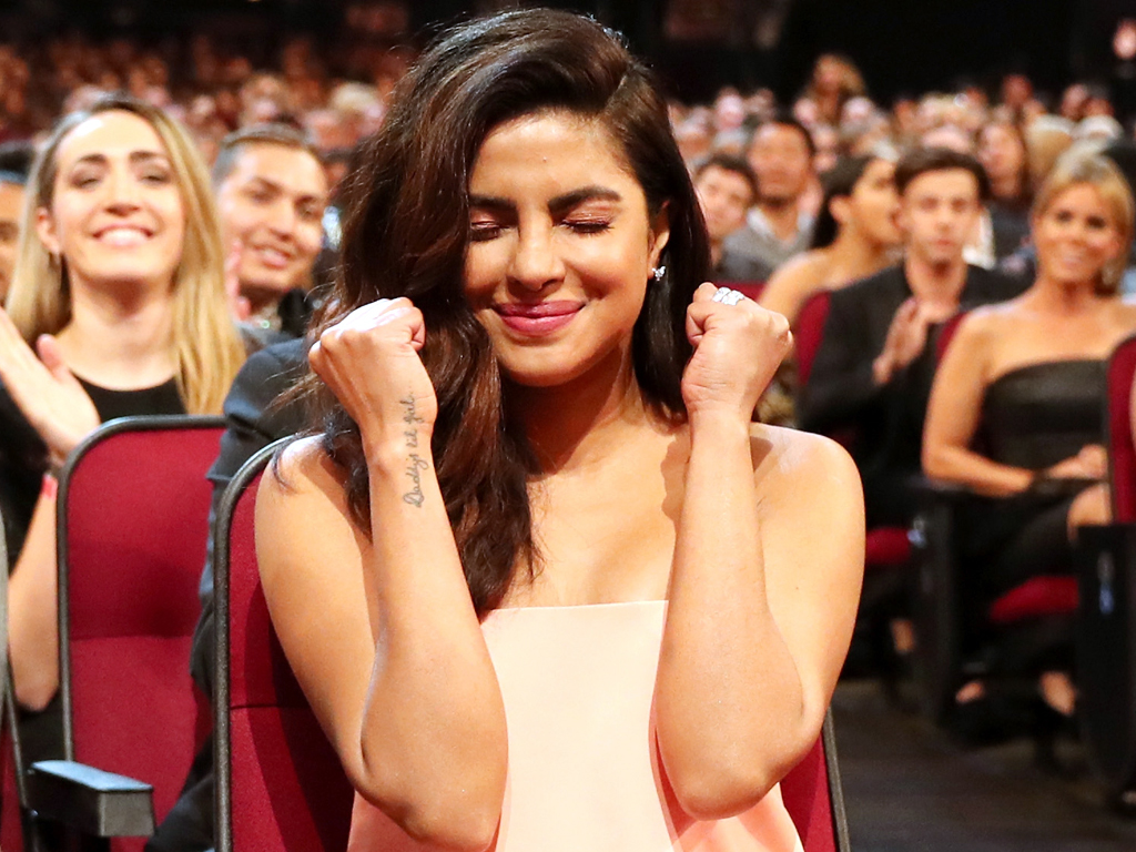 winning happy moment pictures  2017 peoples choice award wins priyanka chopra