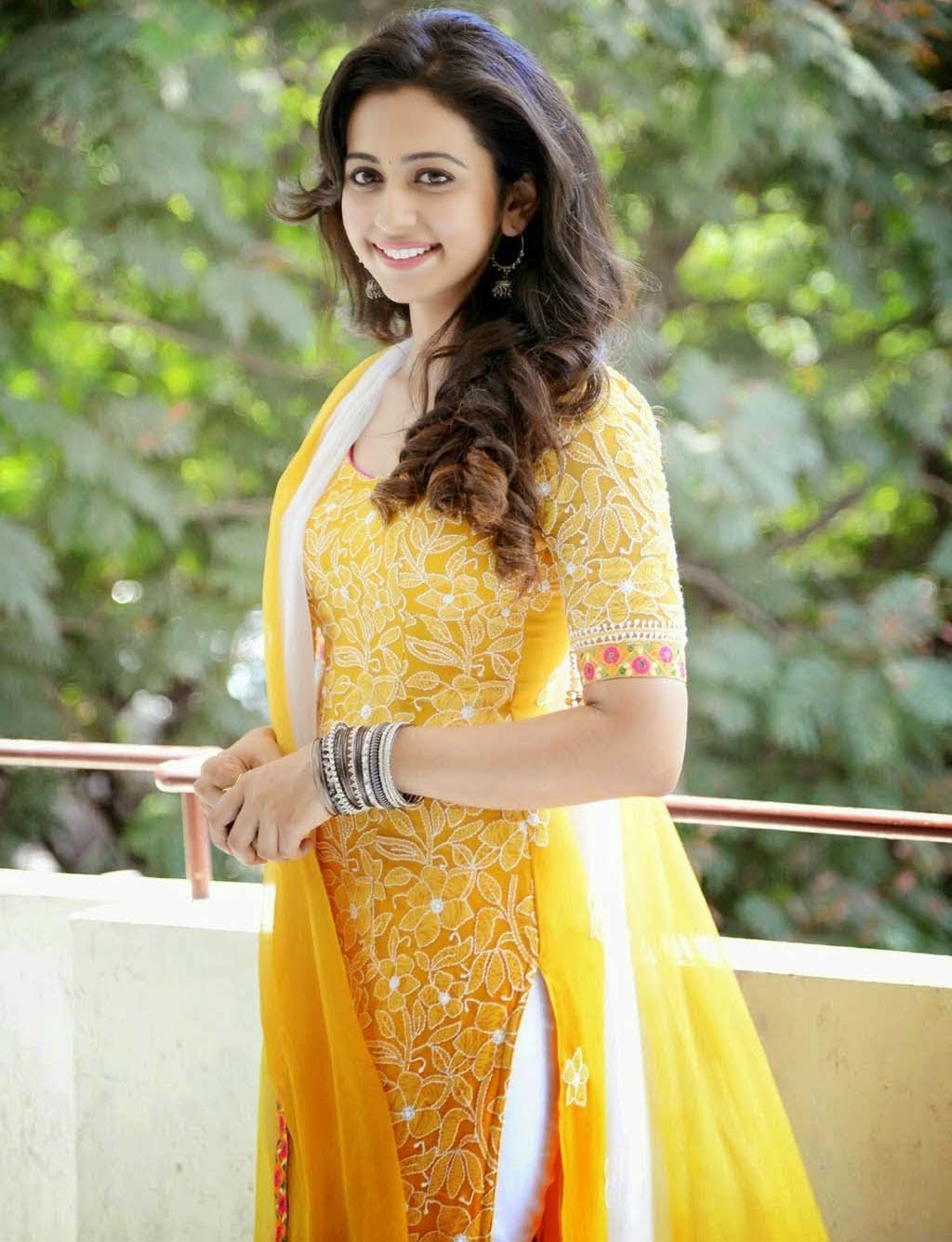 Desktop Charming Rakul Preet Singh Yellow Dress Image Photo Free Download