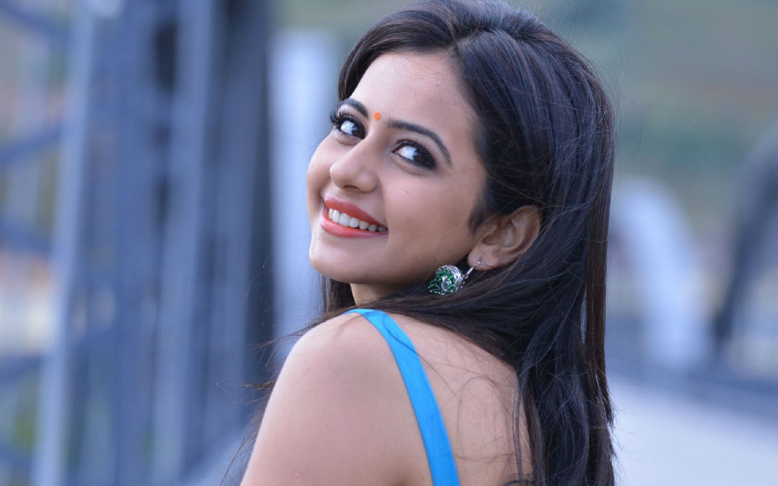 Pretty Rakul Preet Singh Wallpaper