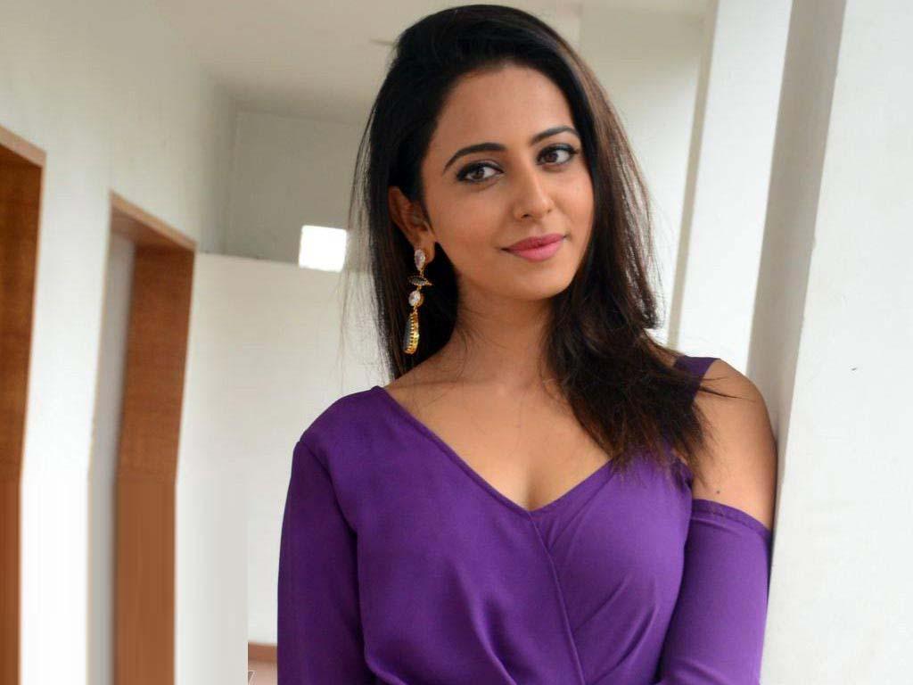 Rakul Preet Singh Best Fashionable Dress Wallpapers