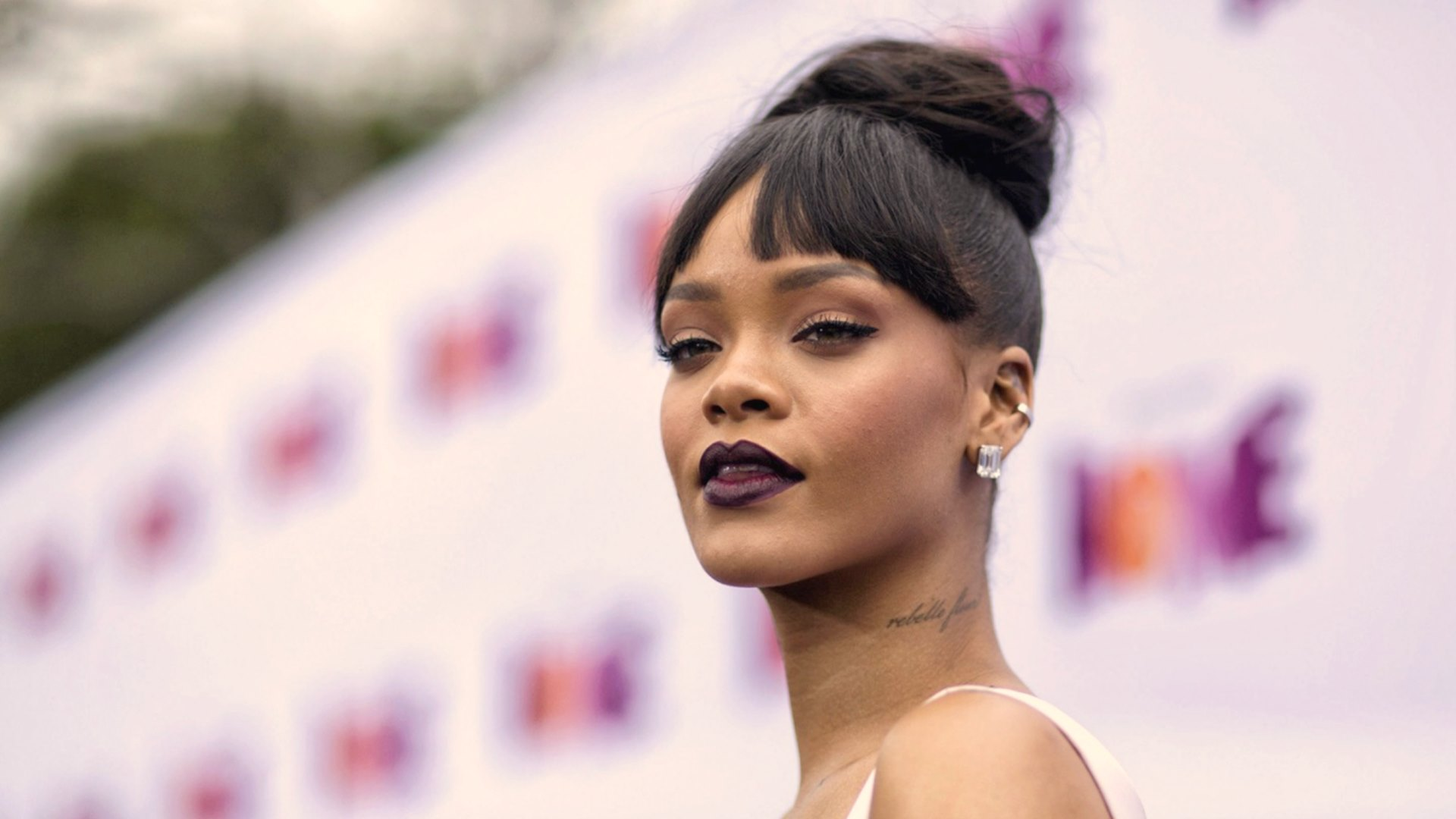 american singer rihanna latest hd image download