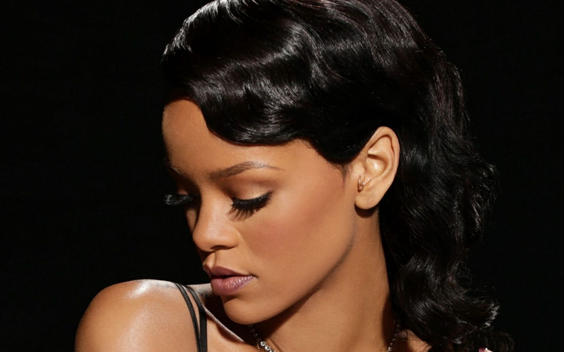 Rihanna Black Face Images Download Hd
