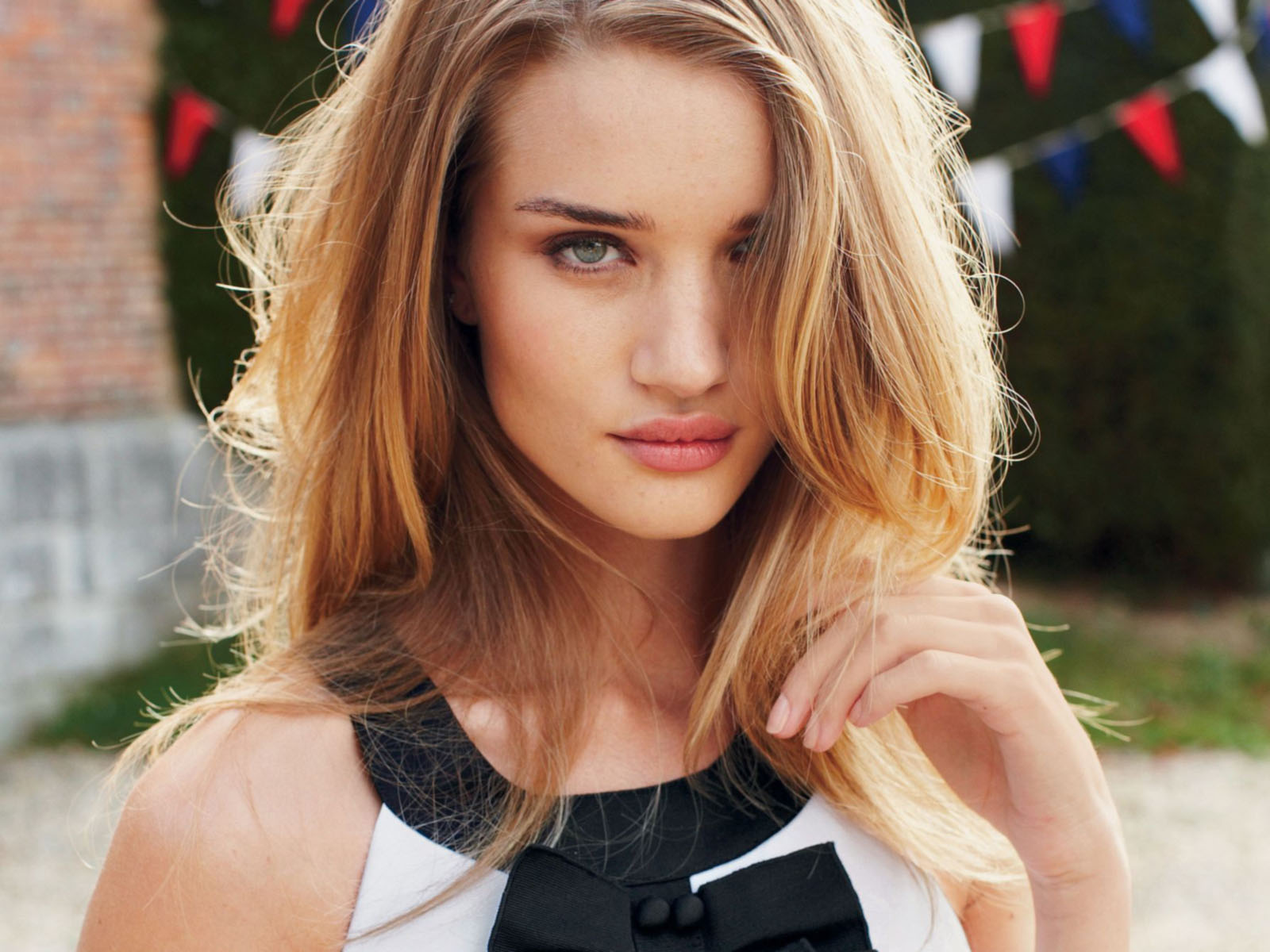Rosie Huntington Whiteley Cool Wallpapers Download Hd