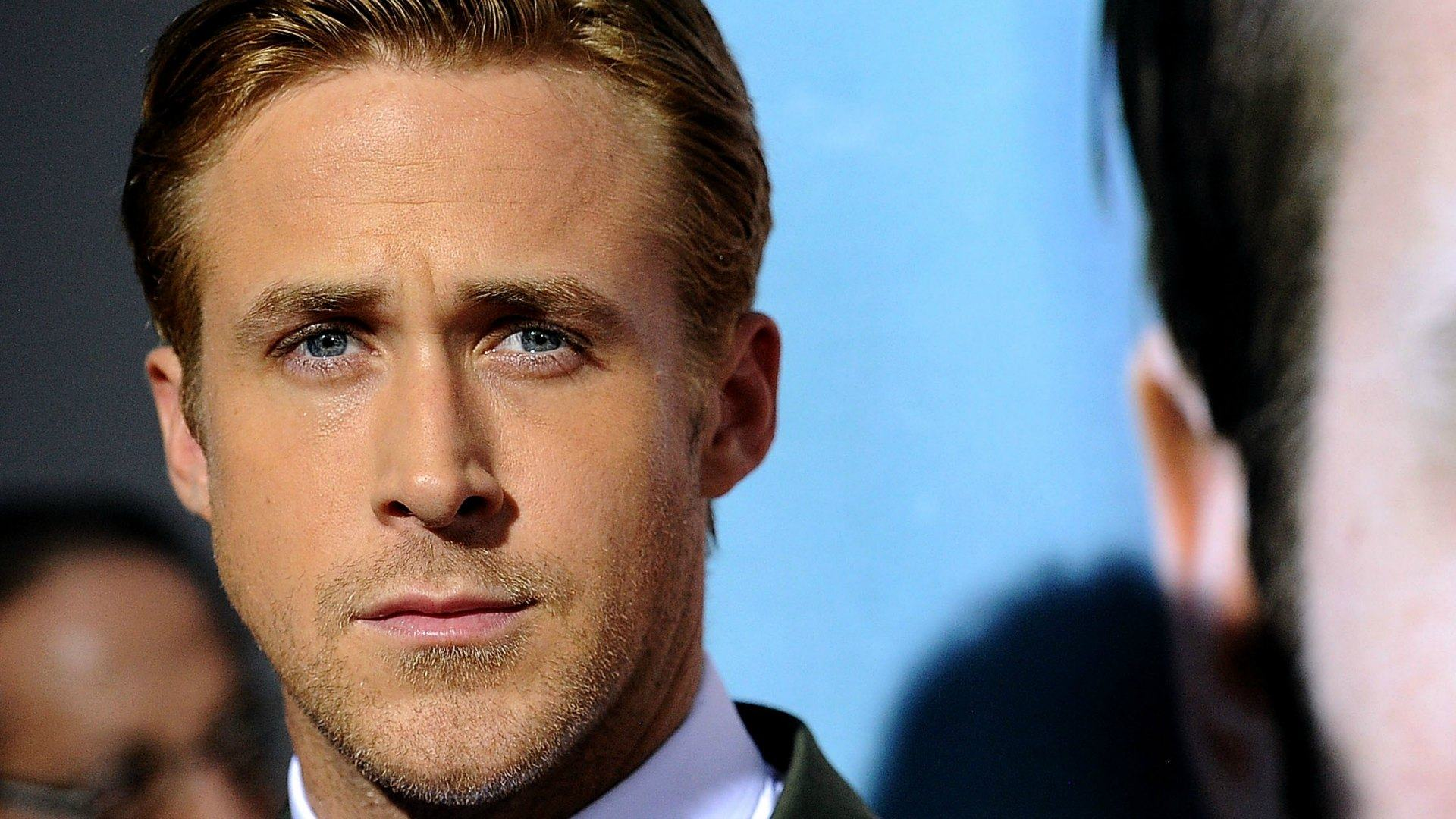 manly look ryan gosling wallpapers hd