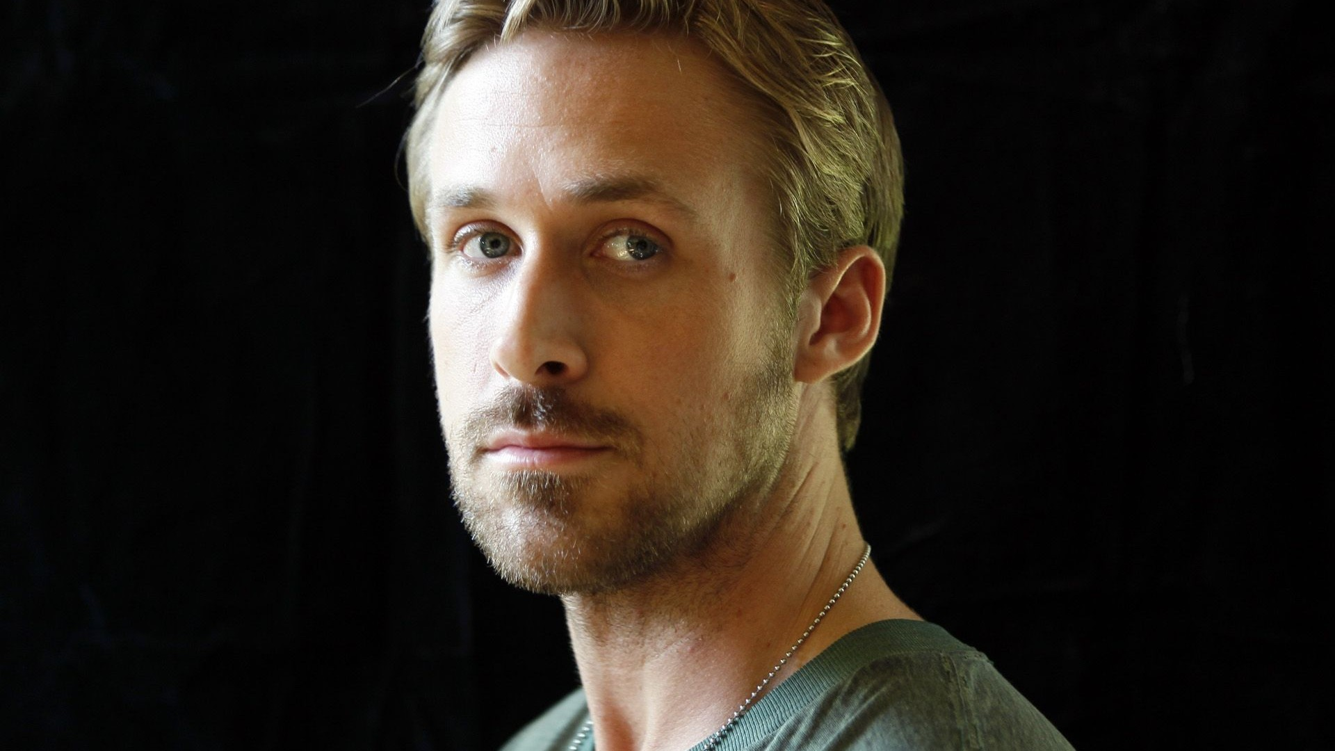 ryan gosling pictures latest
