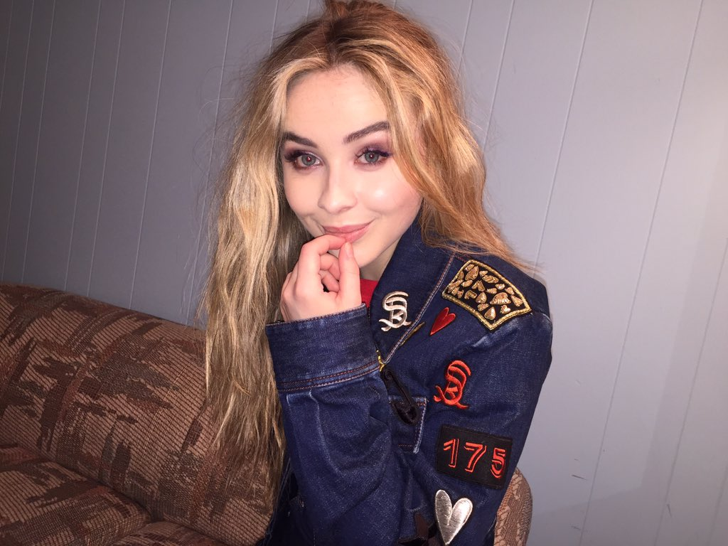 Download Mind Blowing Sabrina Carpenter Images For Mobile