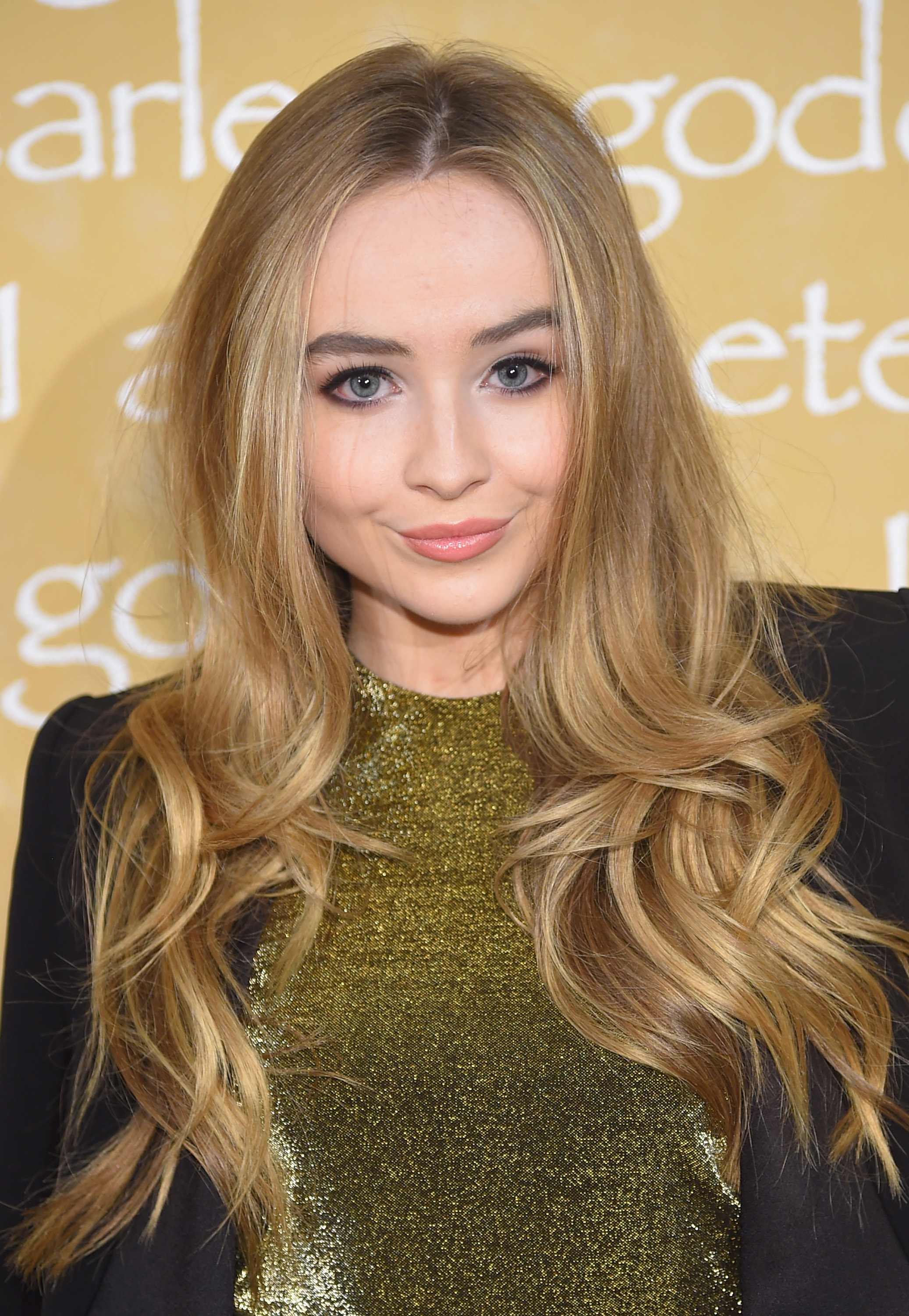 free charming sabrina carpenter picture for tablet