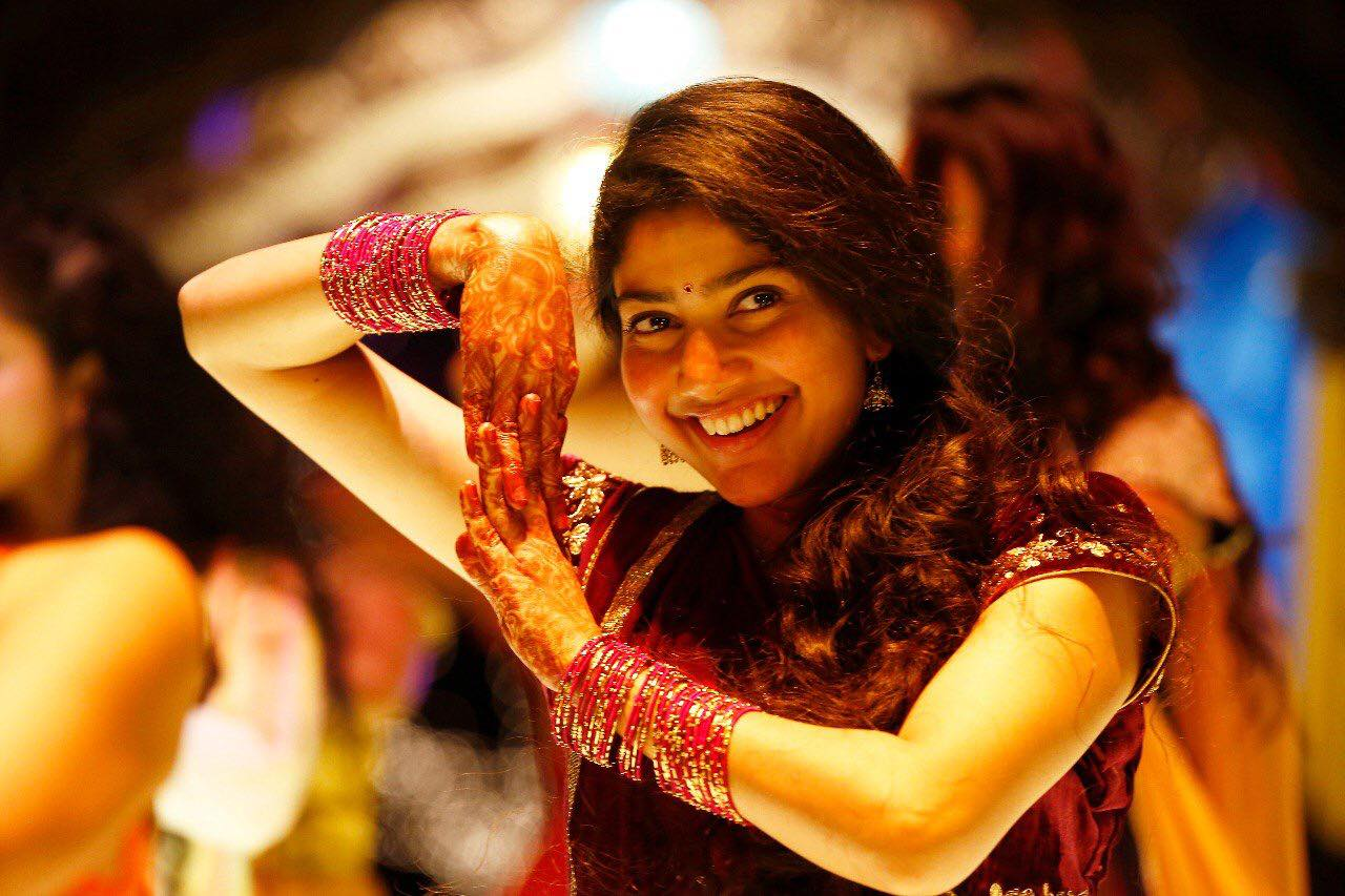 amazing sai pallavi beautiful dance style mobile free background hd desktop wallpaper