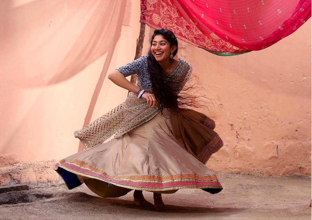 Fantastic Sai Pallavi Beautiful Dancing Free Mobile Hd Background