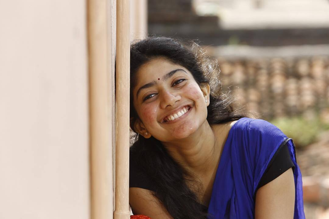 Lovely Sai Pallavi Beautiful Smile Free Mobile Hd Background Desktop Photos
