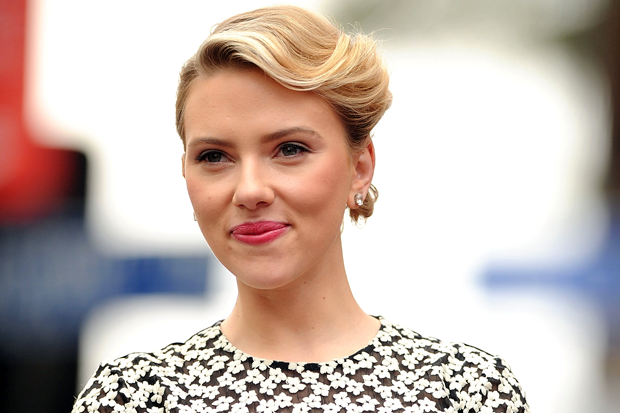beautiful scarlett johansson smiling face look free mobile background hd desktop wallpaper