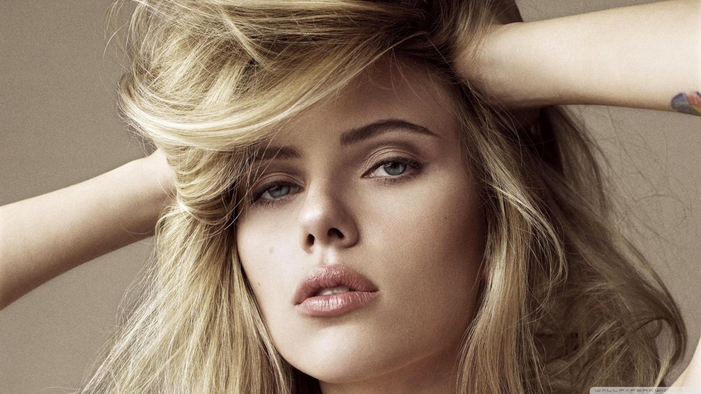 Cute Scarlett Johansson Wallpapers Hd