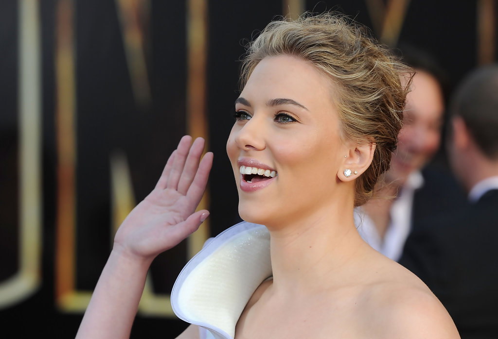 fantastic scarlett johansson showing hands with smile face download background hd free mobile images