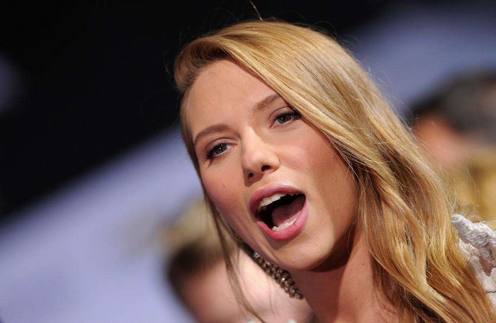 free scarlett johansson laughing face look hd mobile download pictures
