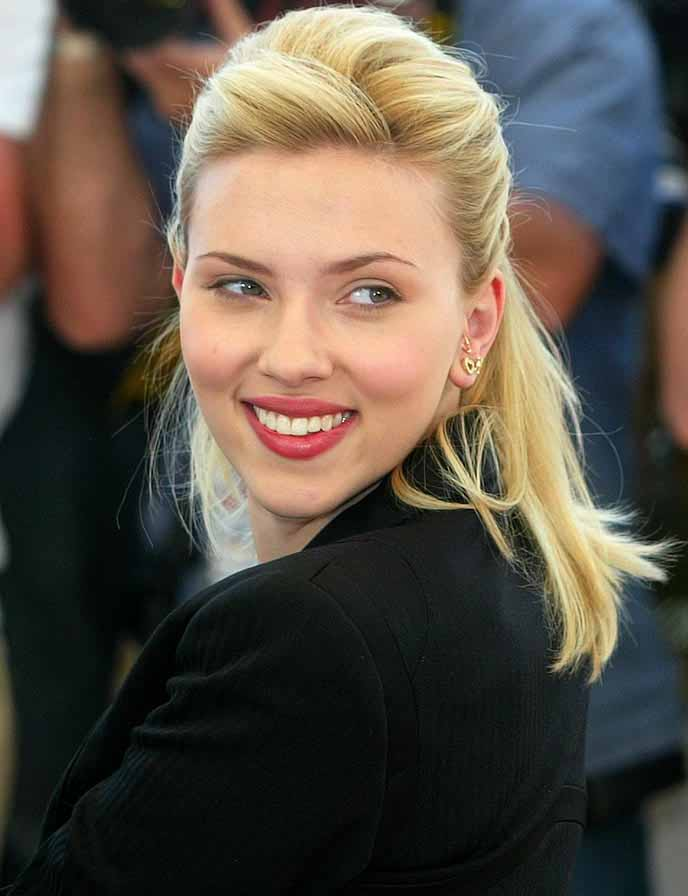 Lovely Scarlett Johansson Beautiful Side Smiling Still Background Desktop Computer Images
