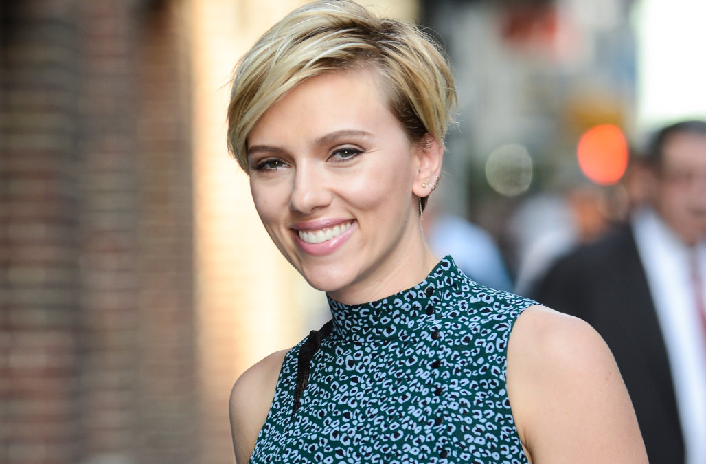 lovely scarlett johansson smile look download free background hd laptop images