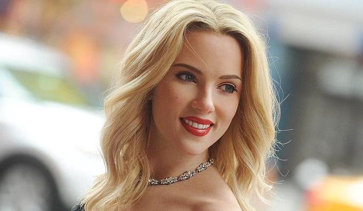 scarlett johansson side smiling look background free hd desktop laptop photos