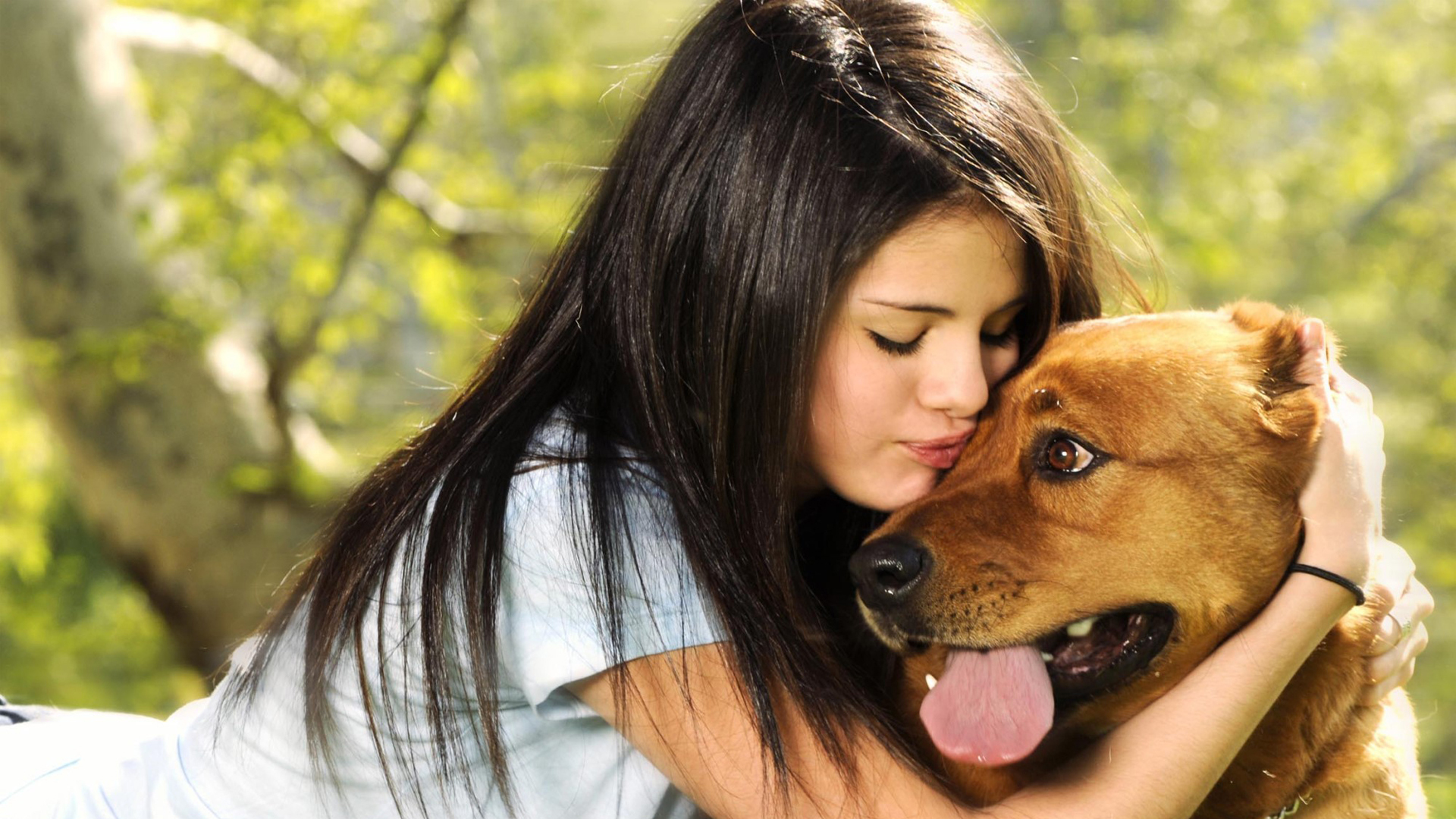 Amazing Selena Gomez Lovely Still With Dog Background Mobile Desktop Free Hd Pictures