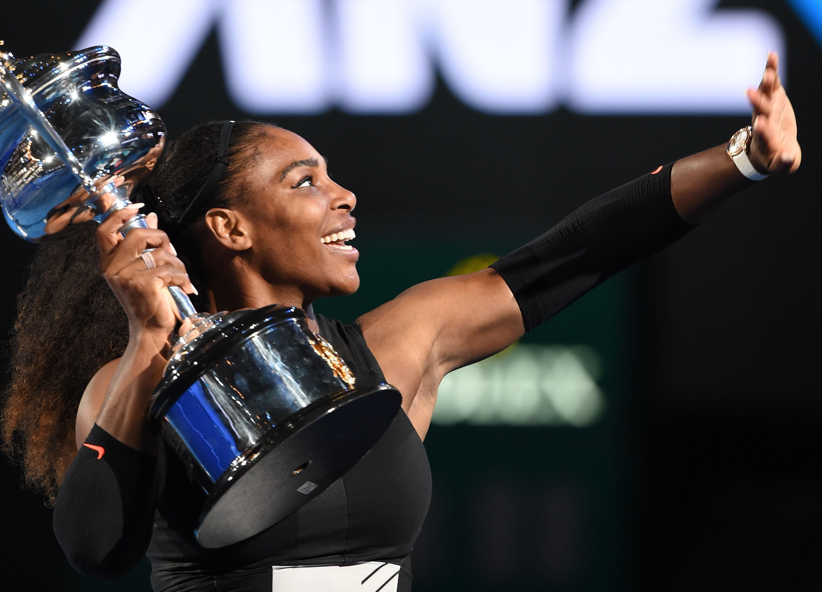 Best Serena Williams Victory With Cup Still Mobile Desktop Images Free Hd
