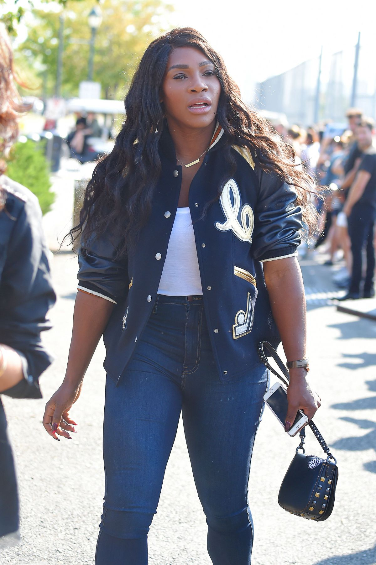 download serena williams beautiful look free hd mobile images