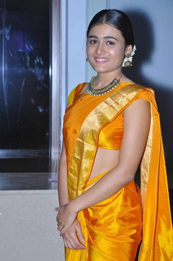 homely look shalini pandey yellow saree wallapers