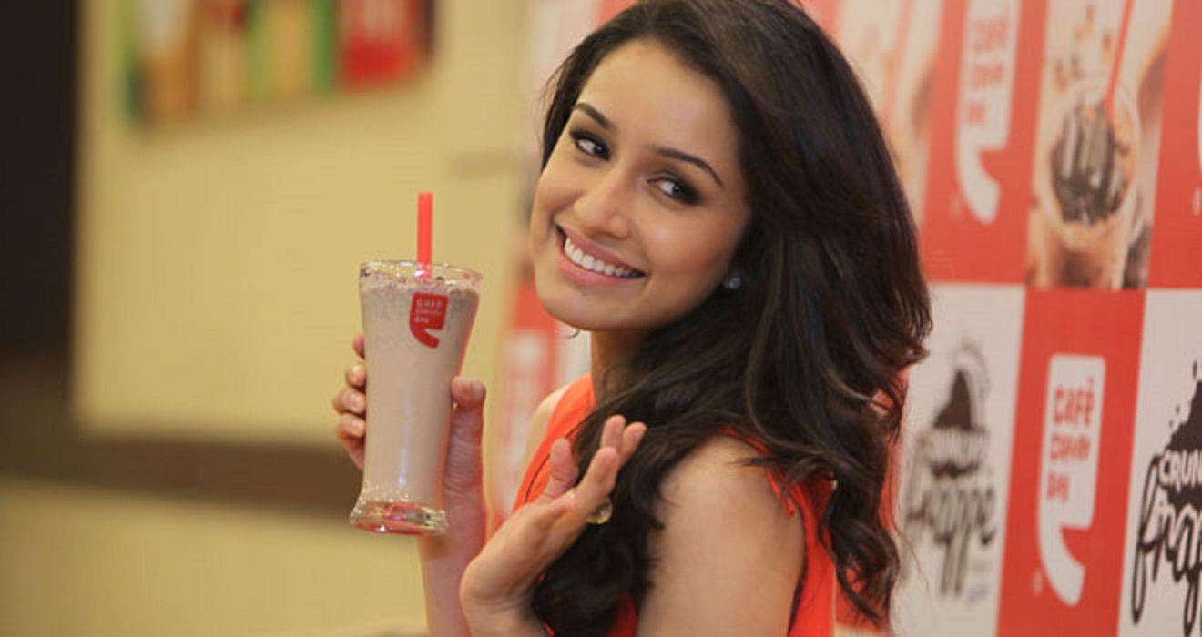 fantastic shraddha kapoor with icecream mobile background hd free