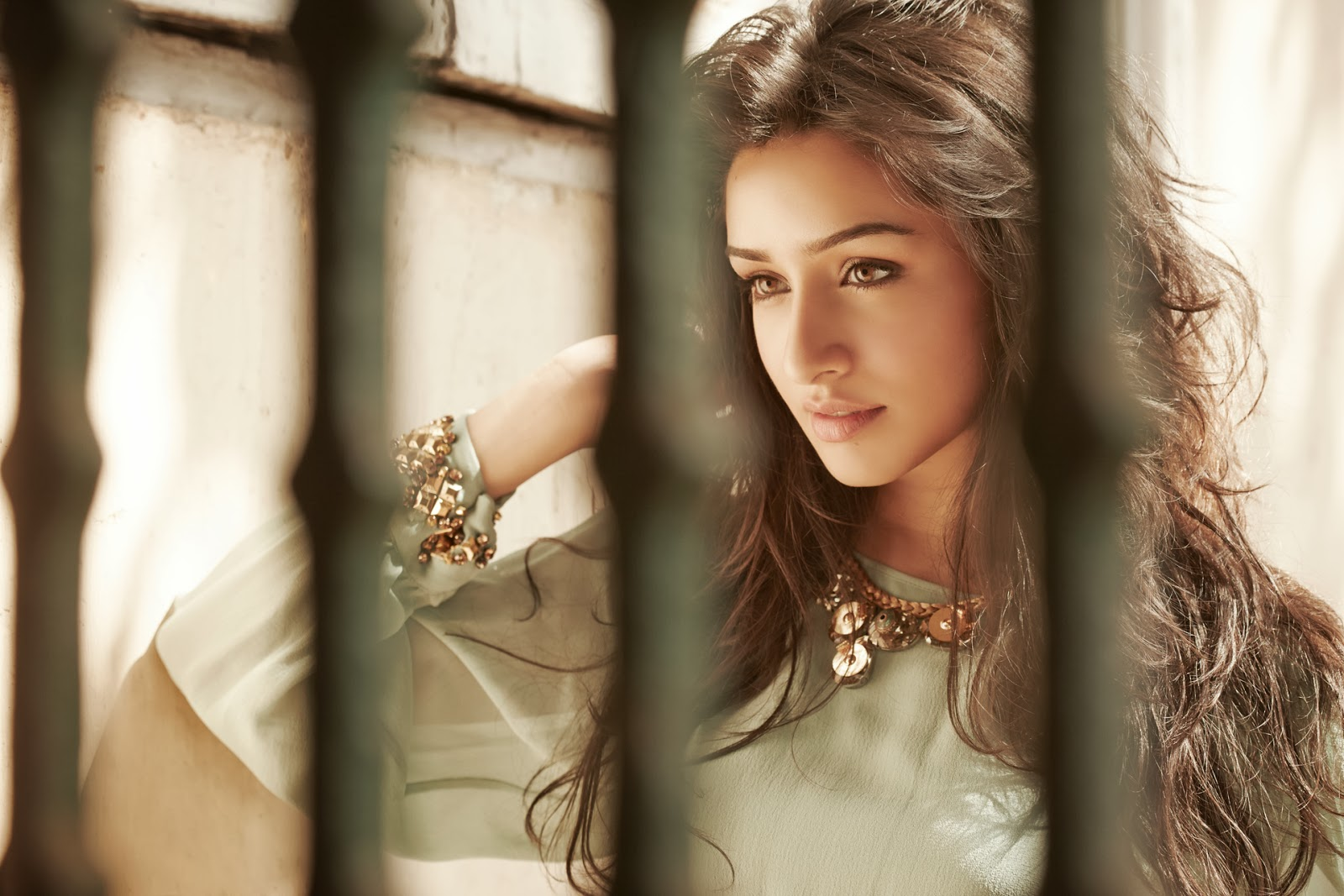 Free Shraddha Kapoor Beautiful Still Background Hd Desktop Mobile Pictures