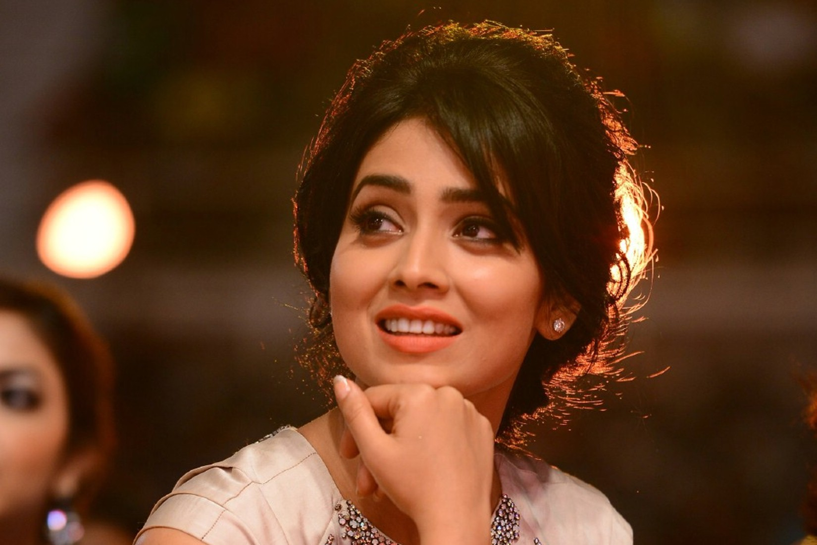 cute smile shriya saran beautiful picture