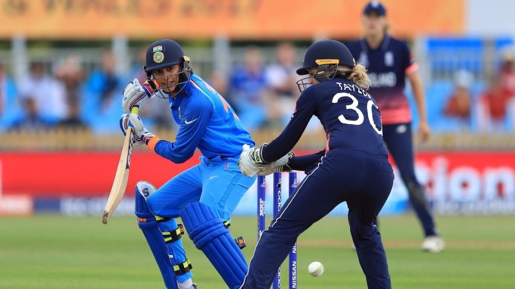 smriti mandhana super slip drive free hd mobile background images