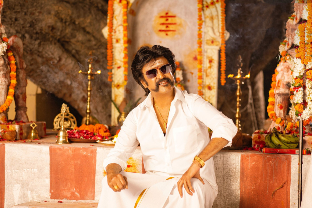 latest still peta movie super star rajini kanth hd photos download