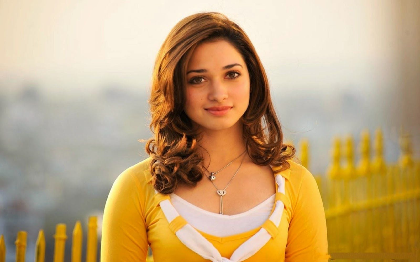 desktop tamannaah bhatia smiling hd images