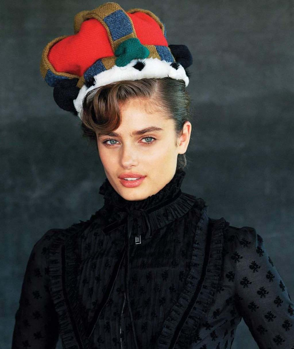 Free Desktop Cute Taylor Hill Picture