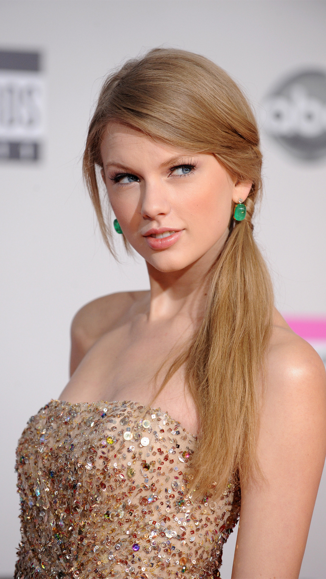 free taylor swift excellent side look background download mobile hd
