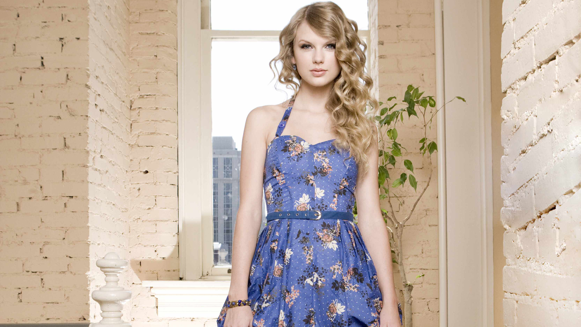 taylor swift fantastic stylish look background free desktop mobile photos hd