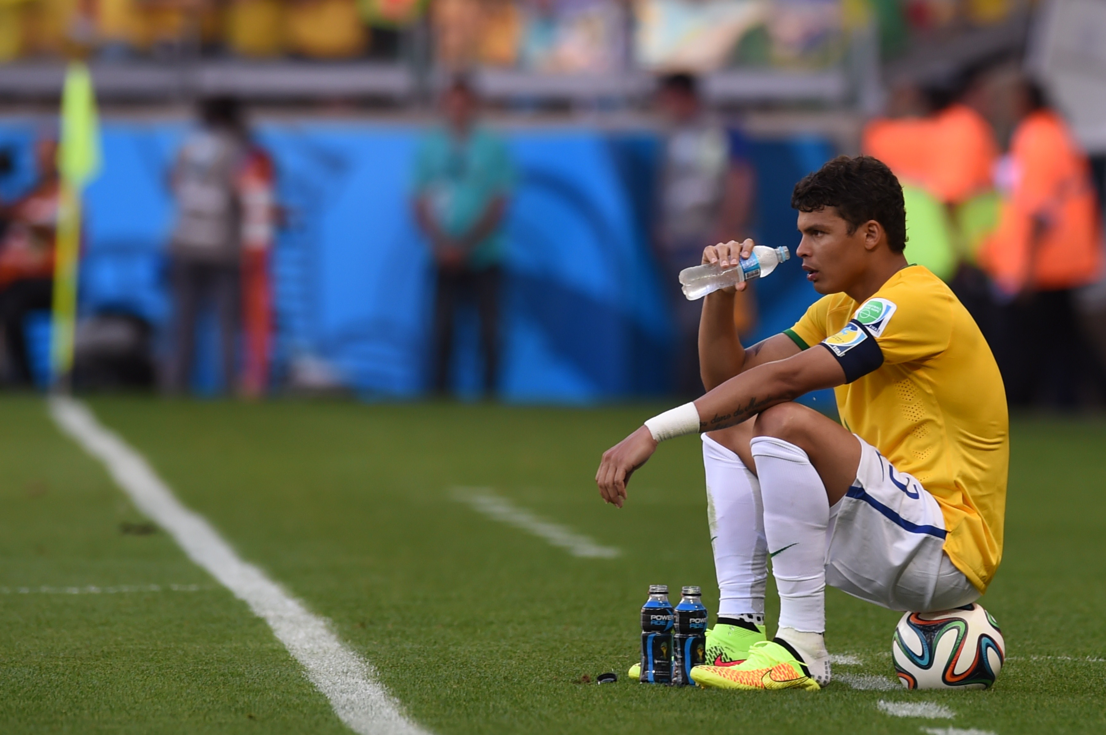 Thiago Silva Football Soccer Player Mobile Desktop Background Download Hd Free Drinking Water Photos