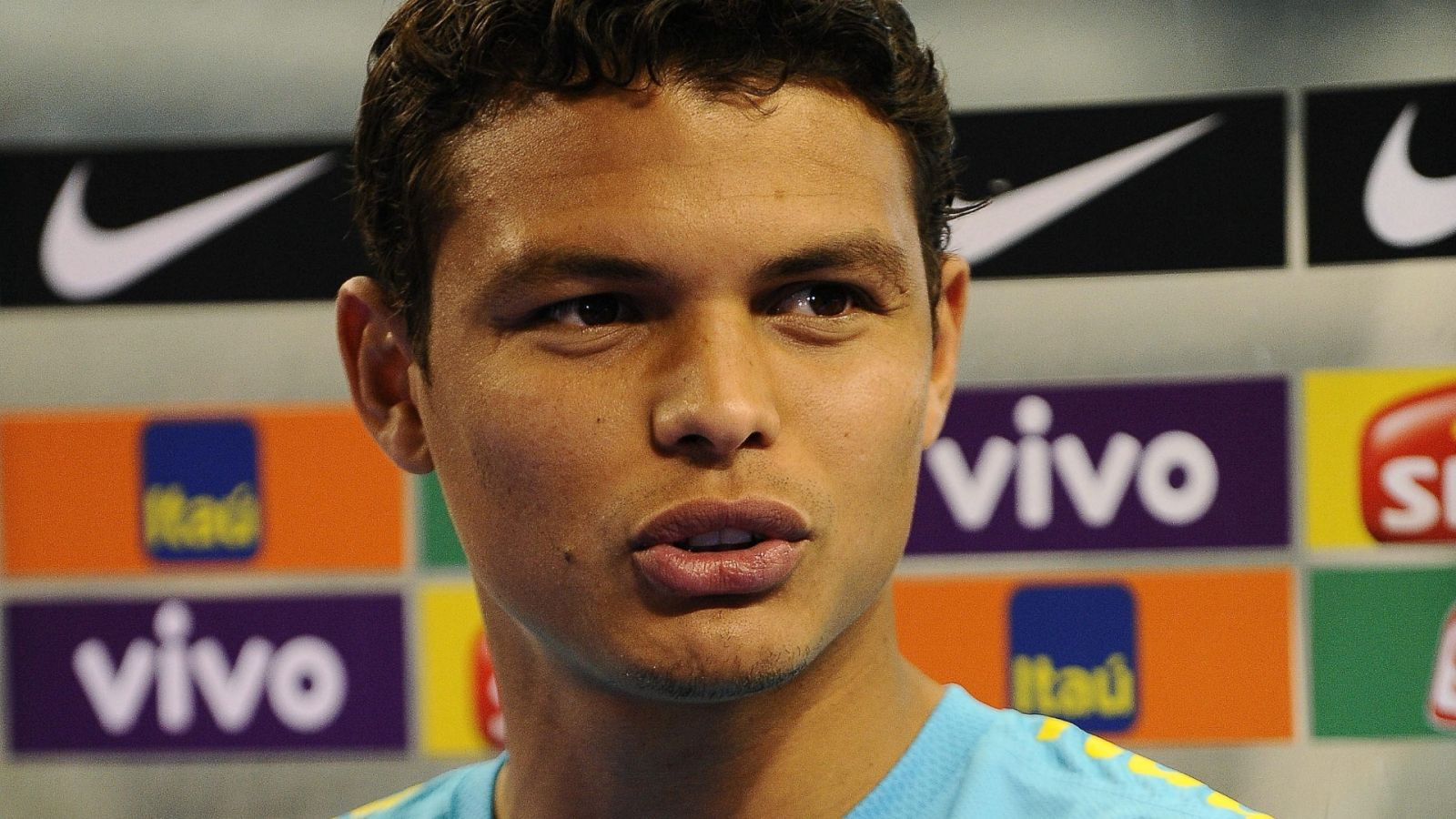 Thiago Silva Football Soccer Player Mobile Desktop Background Images