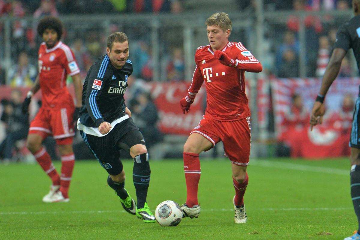 Amazing Attack Ball Toni Kroos Football Soccer Player Free Mobile Hd Background Photos