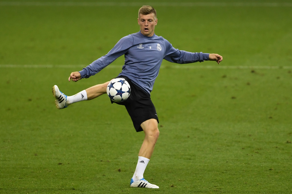 Download toni kroos football soccer player free mobile pre final hd download toni kroos football soccer player free mobile pre final hd background desktop wallpapers voltagebd Choice Image