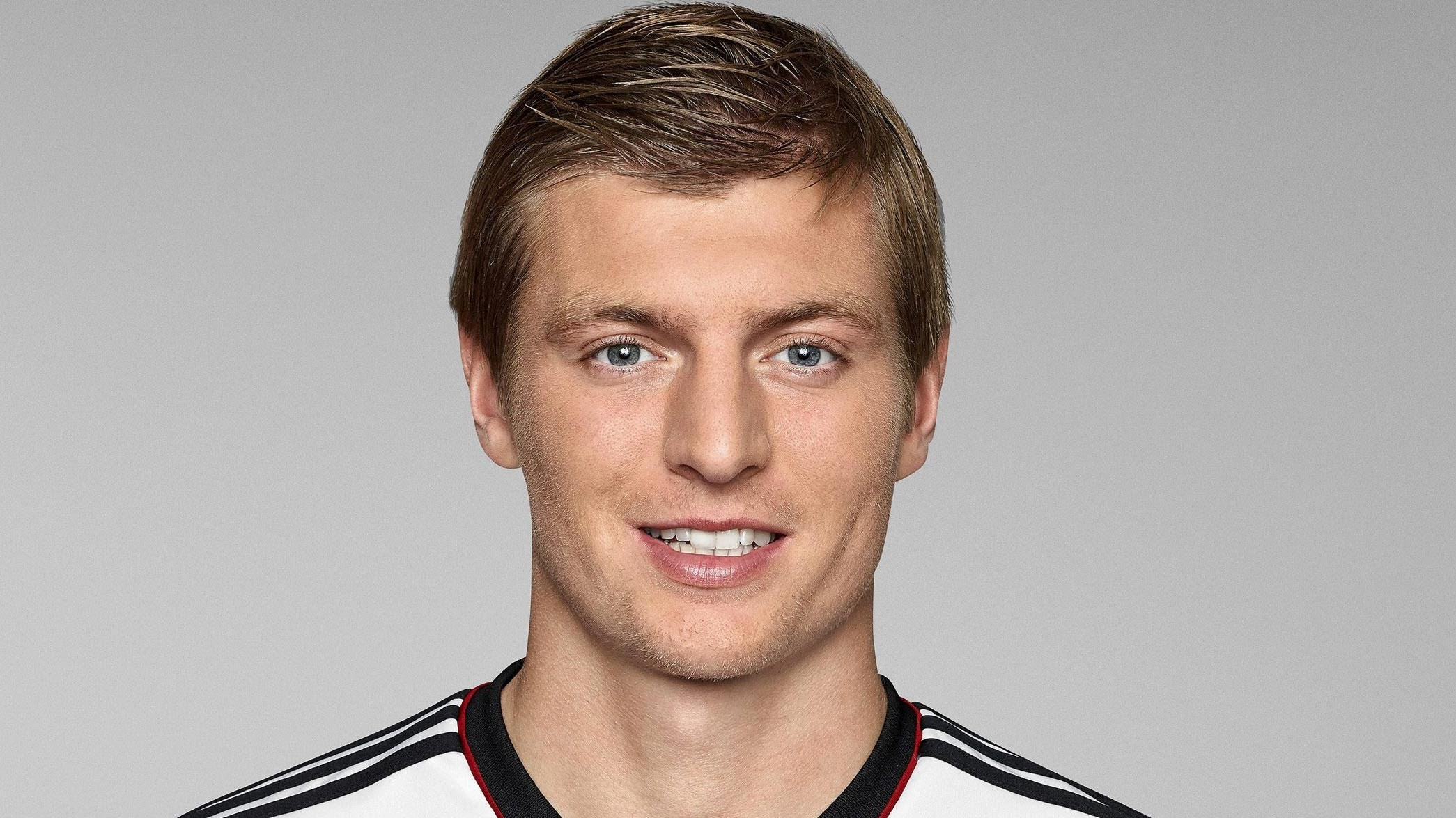 Toni Kroos Football Soccer Player Free Mobile Hq Background Desktop Pictures