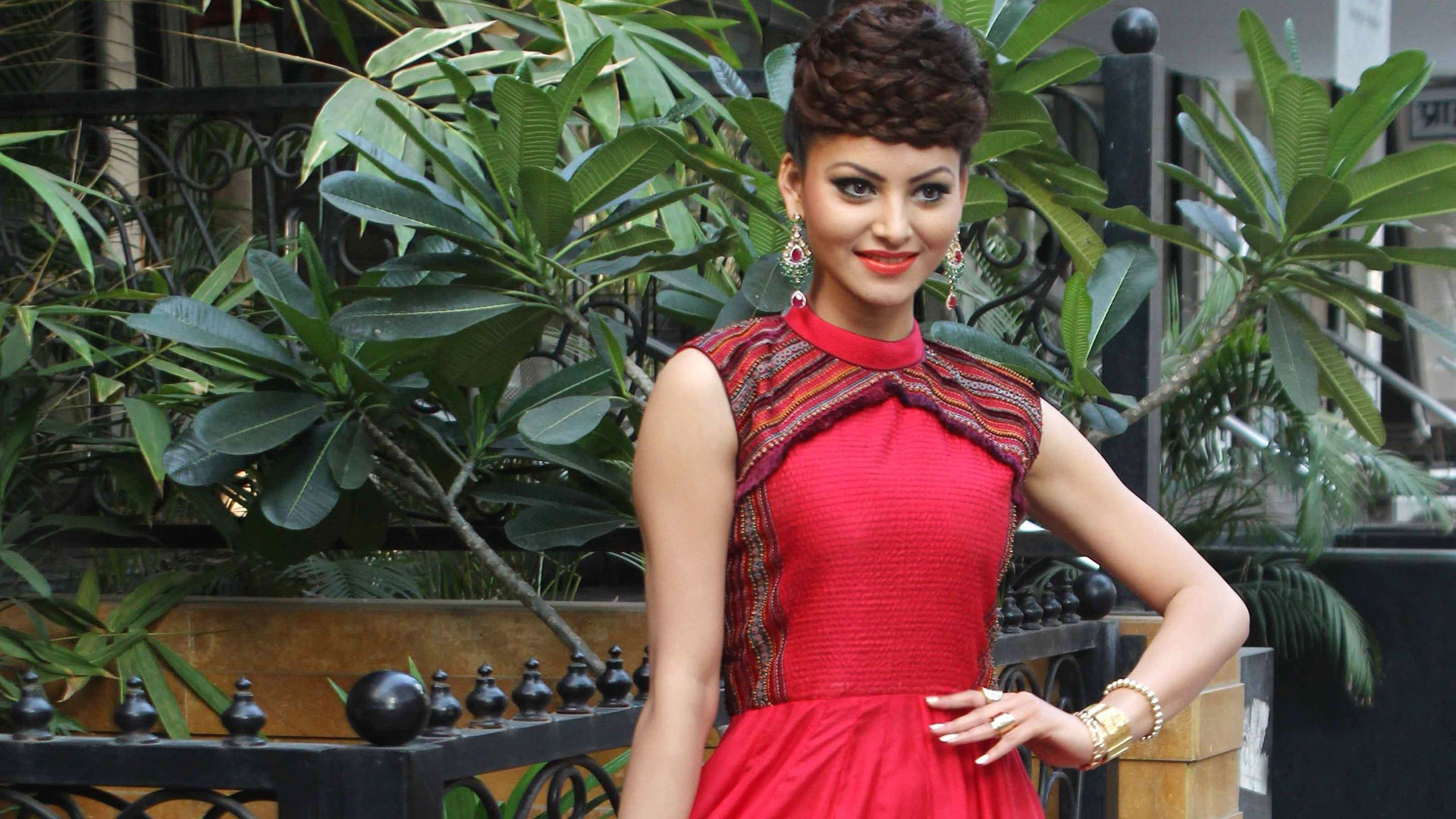Marvellous Beauty Urvashi Rautela Wallpaper
