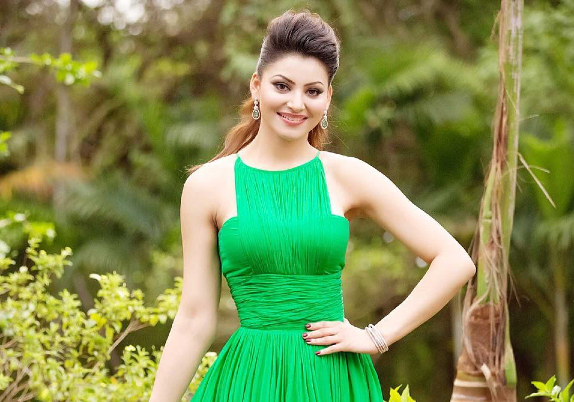 Urvashi Rautela Hd Wallpapers