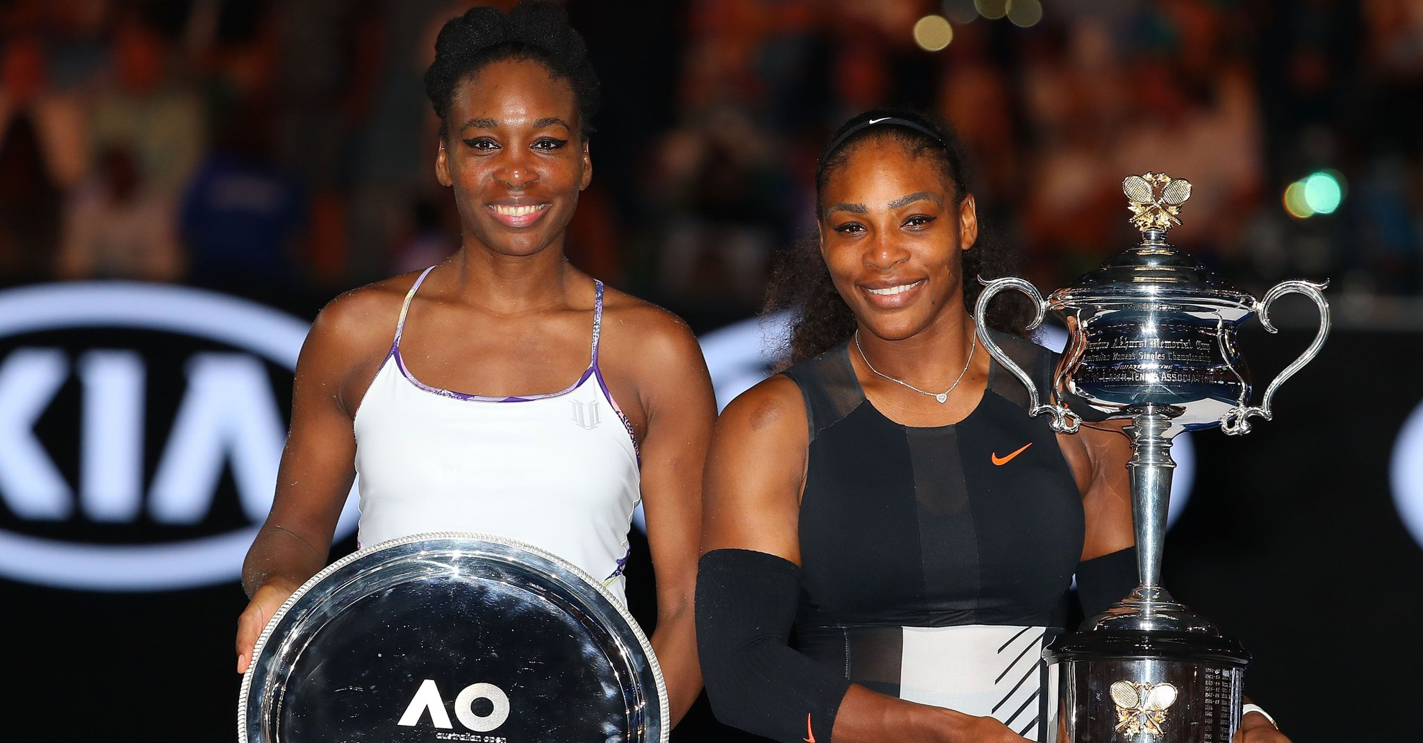 fantastic venus and Serena Williams cup still hd desktop backgroud pictures
